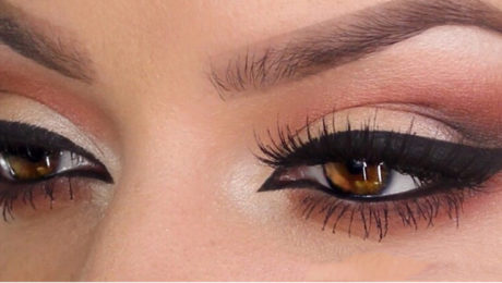 eye makeup, eye liner, relax, patience, brush, eye shadow, winged, smudgy, perfect